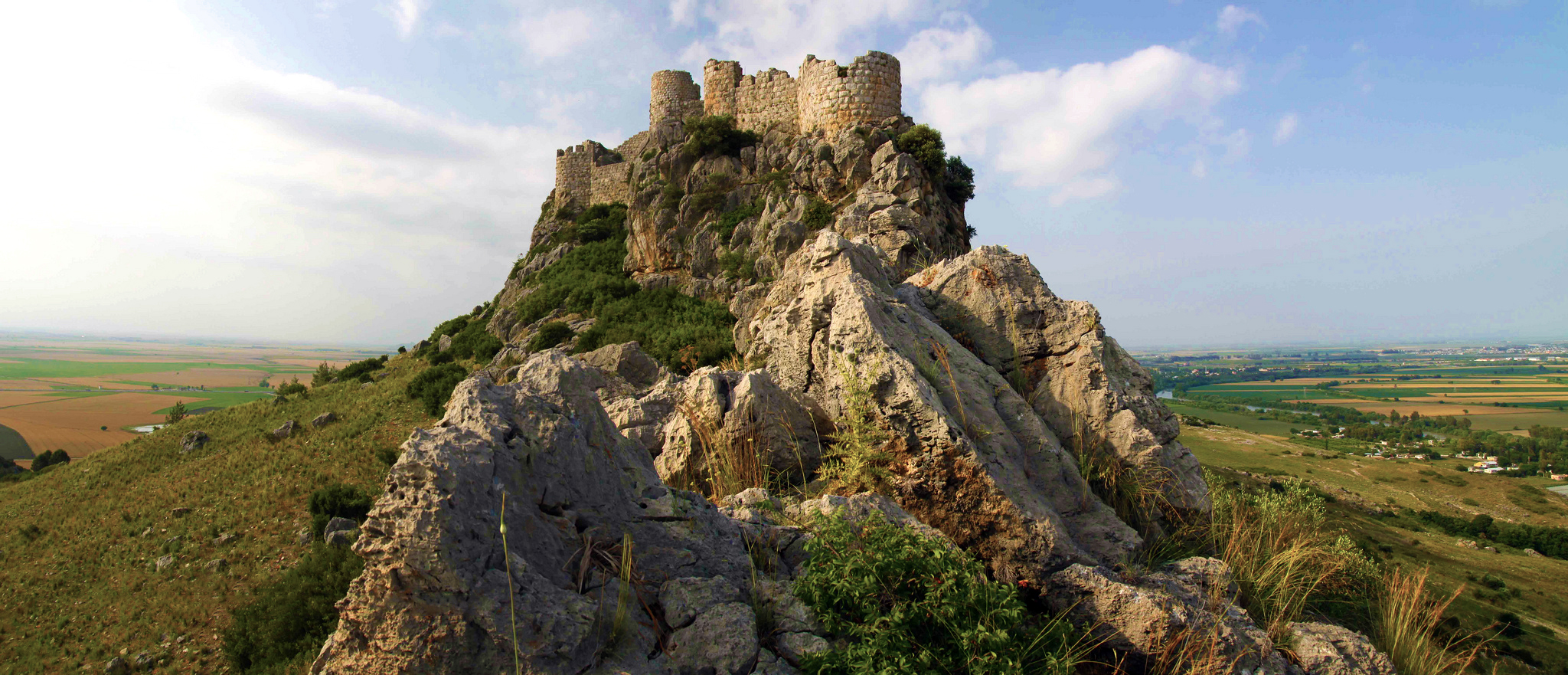 Medieval armenian fortress cilicia 12th 13th c for Fortress house